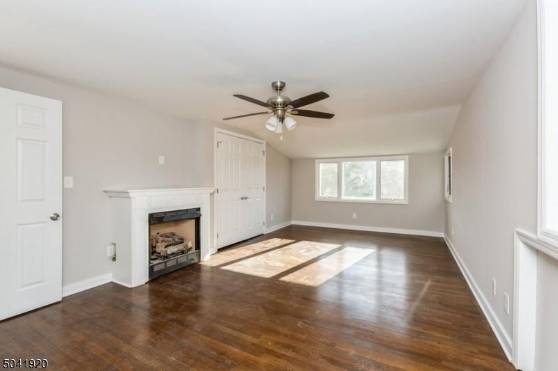 living-11_Lakeview_ave_Watchung-NJ-08854